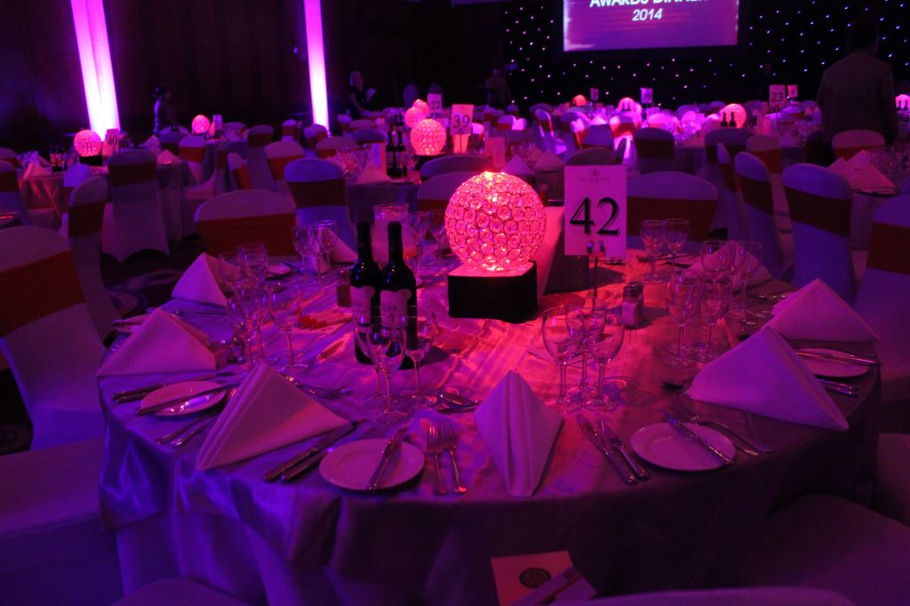 Low Crystal Ball Table Centres
