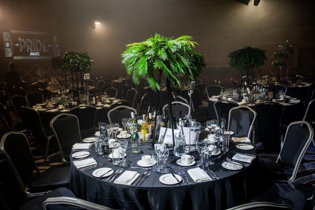 Art Deco Theme Palm Table Centres