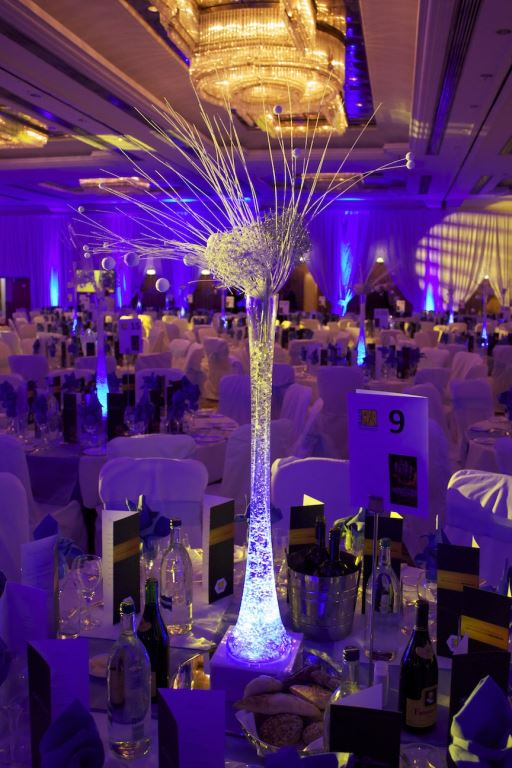 Snowball Lily Vase Table Centres