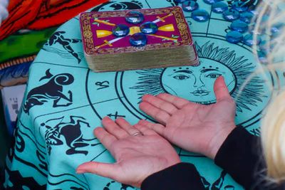 Fortune Tellers and Tarot Readers