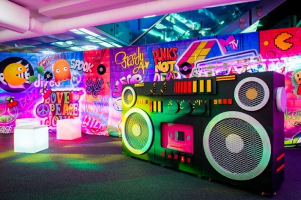 80s and Retro Themed Entertainment